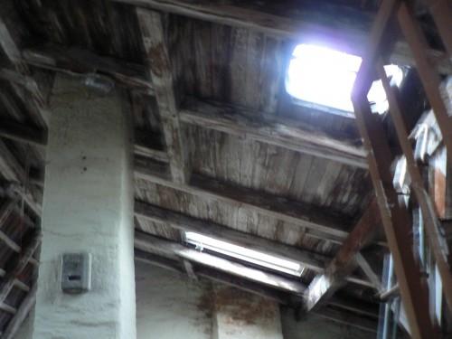 Feuchter Dachboden